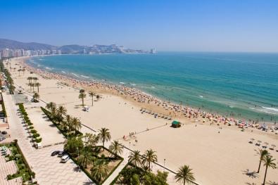 La grande plage de Malvarrosa à Valence