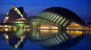 La Cité des Arts et des Sciences de Valence de nuit