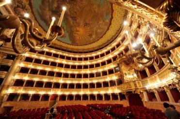 Le théâtre San Carlo