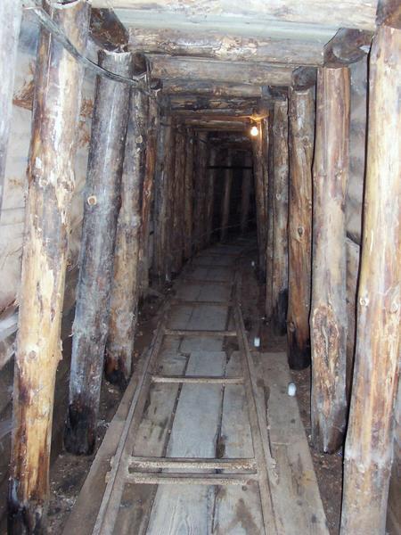 82486-sarajevo-war-tunnel-museum-0