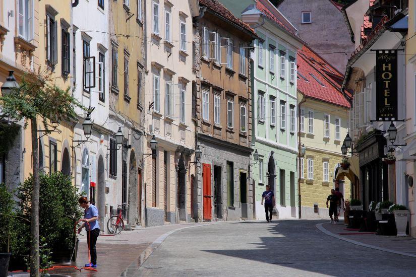 img_8863_a_ljubljana_gornjitrg_medievalhouses