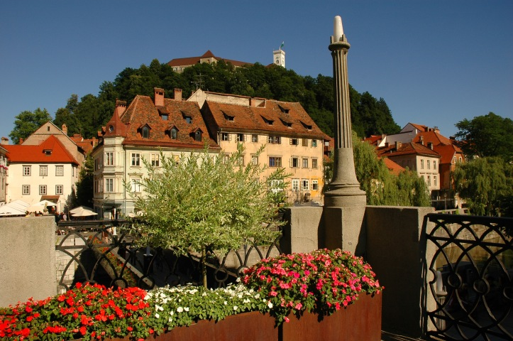 ljubljana_castle_view_from_riverbanks_d-wedam__2653_orig