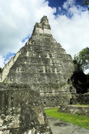 La pyramide Maya, Tikal