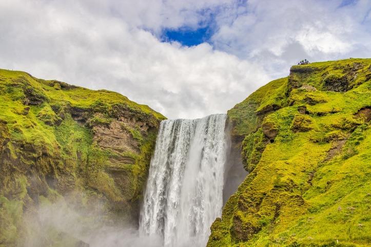 waterfall-4774207_1280