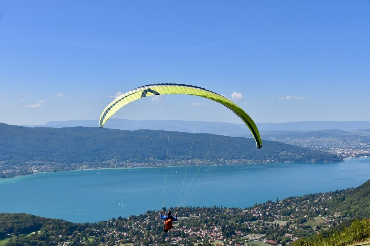 paragliding-4666218_1280